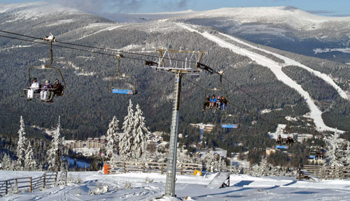 Skiing-and-snowboarding-tours-czech-republic